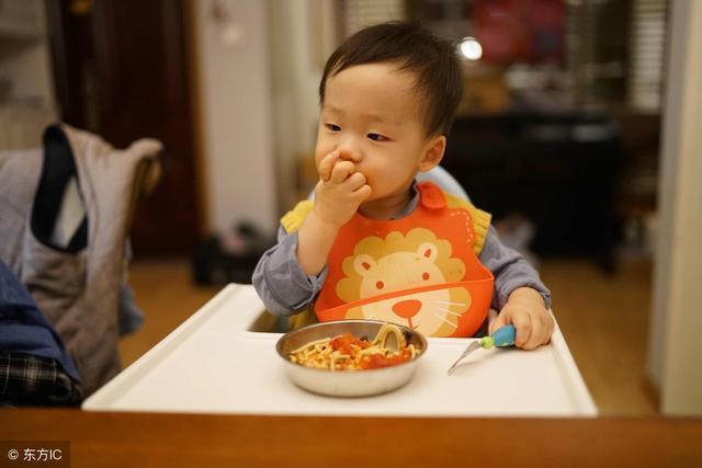 一岁左右的宝宝一天的食量是多少?营养师来告诉你