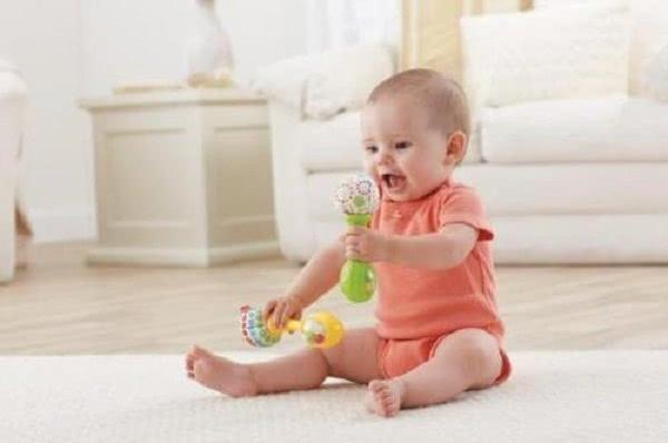 1岁以内的宝宝,已经长了这些本事,你家宝宝达标了没?